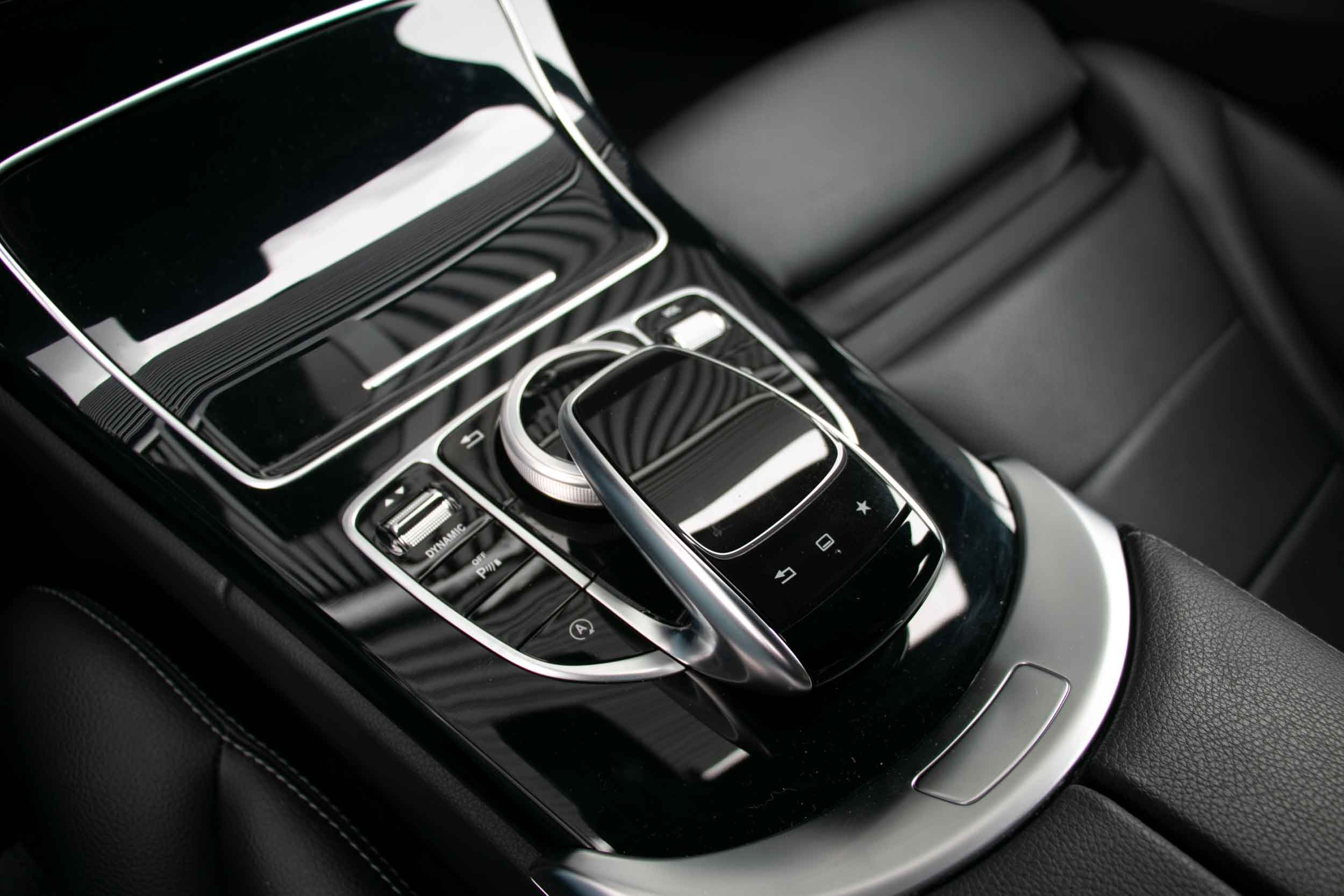 PURE_Mercedes_C200_AMG-24