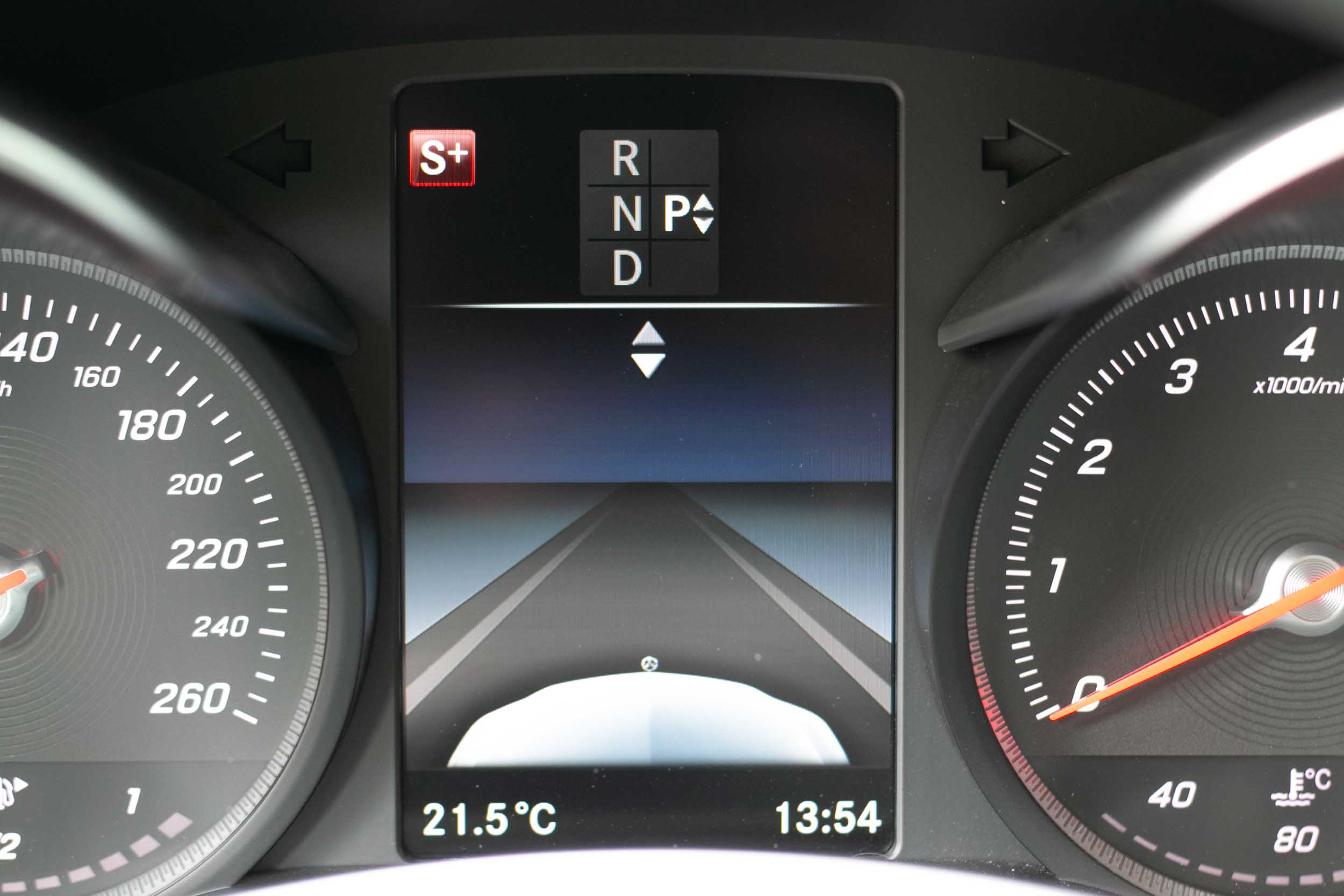PURE_Mercedes_C200_AMG-25