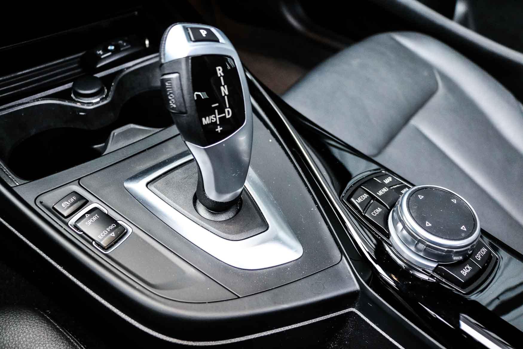 PURE_BMW118i-32